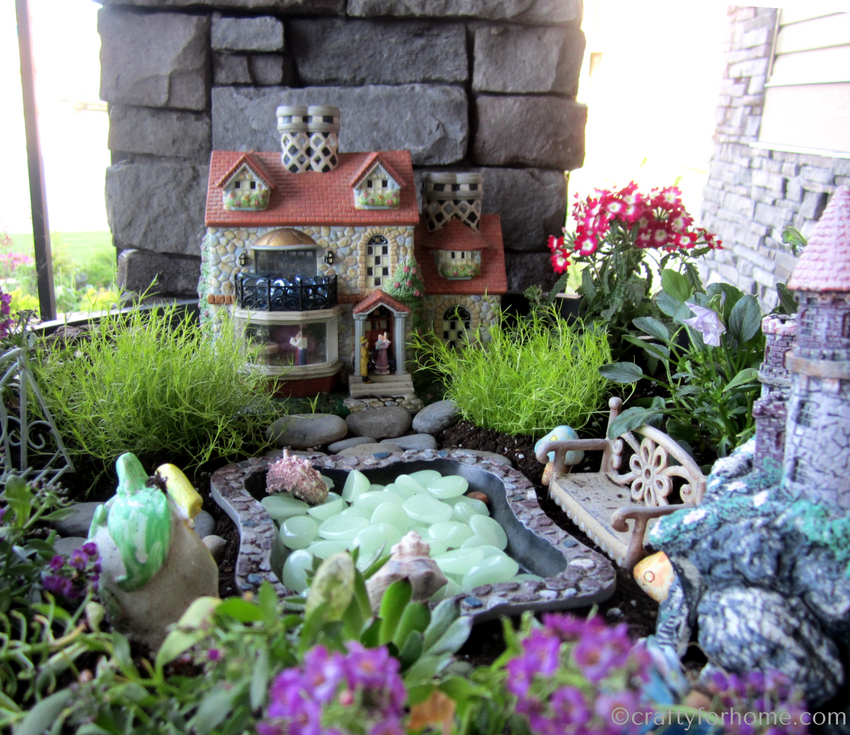 Miniature Garden Ideas On Outdoor Container For Kids #fairygarden # Miniaturegarden #gardenproject #gardeningwithkids