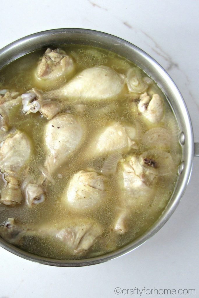Easy Dairy-free, gluten-free Braised Chicken Drumsticks In Coconut Water, then bake it until little bit charred, perfect for meal prep for family #chickendrumsticks #chickenrecipes #mealprep #coconutwater for full recipe on craftyforhome.com