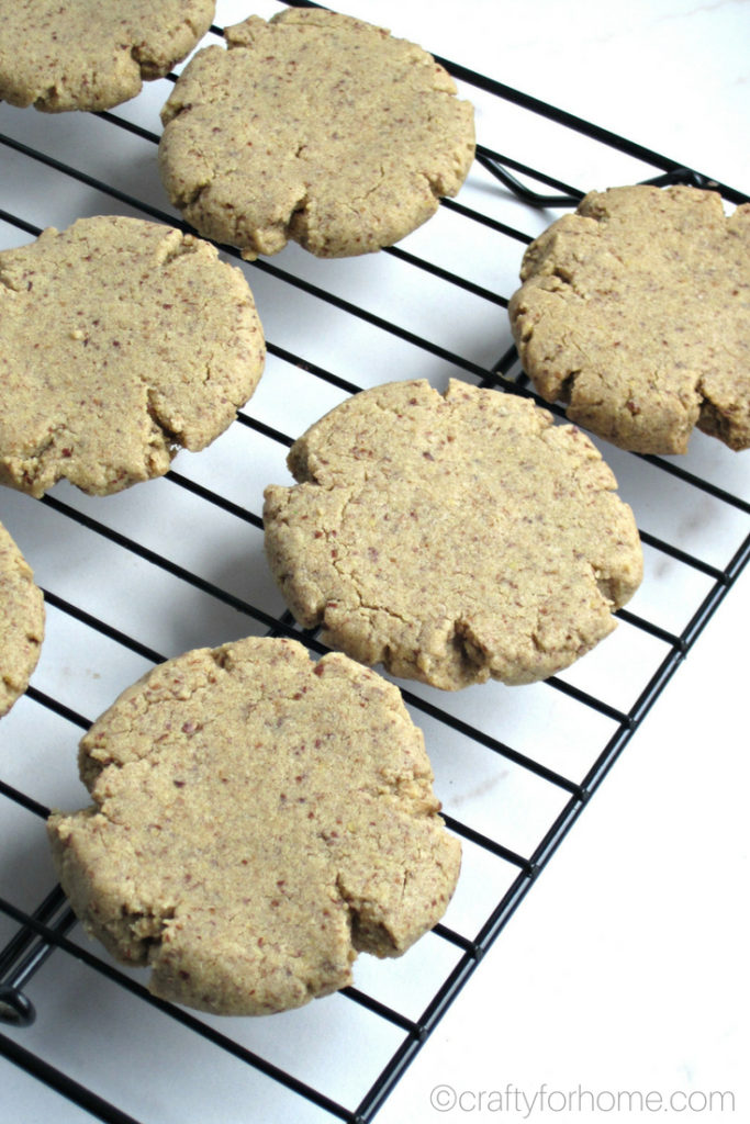 Easy and melt in your mouth flax cookies with only six ingredients. Dairy-free, egg-free and nut-free. #dairyfree #eggfree #vegan #nutfree #sunflowerbuttercookies for full recipe on craftyforhome.com