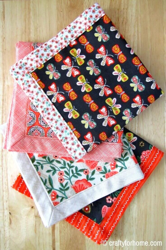 Self Binding Cloth Napkins | Easy DIY sewing project on how to make self-binding cloth napkins for your table setting decor. Make this double-sided mitered napkins by using fat quarter fabric or repurpose materials that perfect for DIY homemade gift or craft for sale. #sewingproject #tabledisplay #sewingforkitchen #freesewingtutorials #fatquartercrafts #craftforsale #clothnapkinstutorials #easyclothnapkins #DIYgiftideas for full tutorials on https://craftyforhome.com