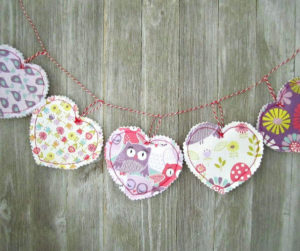 Make Easy Fabric Heart Garland