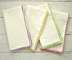 DIY Scalloped Cloth Napkins