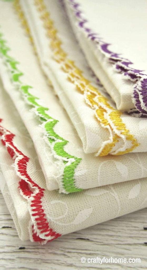 Sew Scalloped Edge Napkins